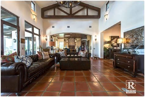 Timeless Home Decor Trends Begin with Decorative Floor Tile