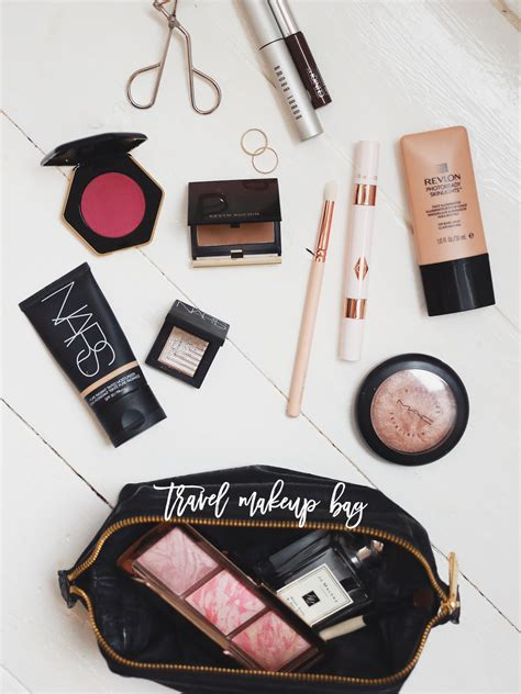 12 Things To In Your Make Up Bag by Makeup Bag For Travel Style Guru Fashion Glitz