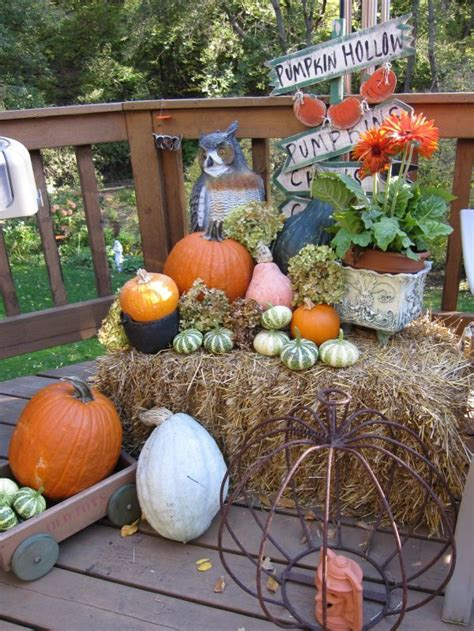 fall hay bale decorating ideas 12 fall d 233 cor ideas for and from the garden