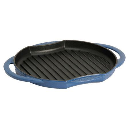 Cast Iron Grill Rack by Cast Iron Grill Pan Steaks And Pots On