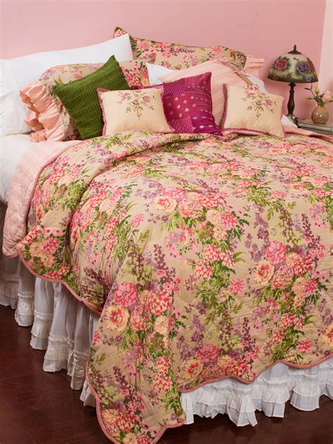 april cornell bedding zinnia garden quilt bedding quilts duvets beautiful