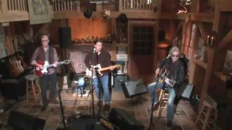 daryl hall house daryl hall booker t jones green onions video live from daryl s house you