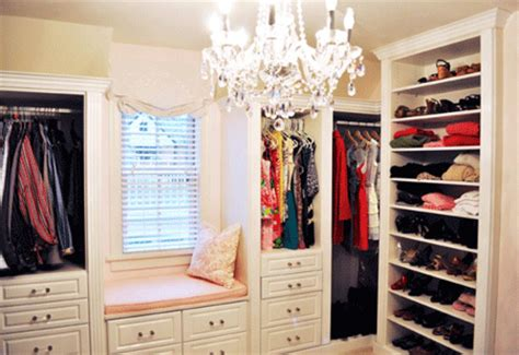 S Closet Boutique by Turn The Grad S Room Into A Closet Boutique The Bolt