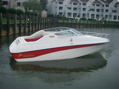 boat brokers of lake norman ride your family on the lake or ocean with style 22