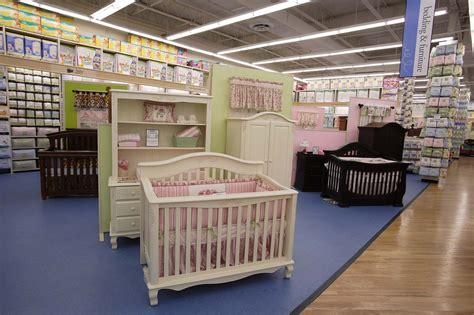 Best Baby Stores For Gifts Apparel And Toys In Nyc Baby Cribs Shopping