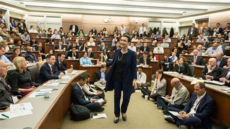 U Of Chicago Booth Mba by Chicago Booth Professor Ginzel On Building Your