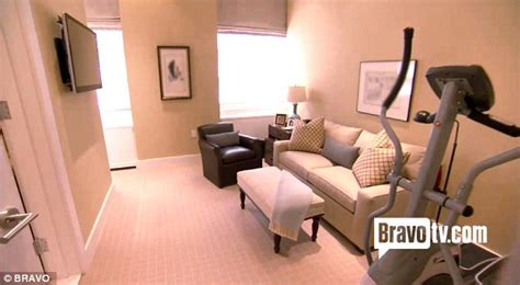 spare room nyc bethenny frankel and husband jason hoppy s new york apartment revealed after extensive