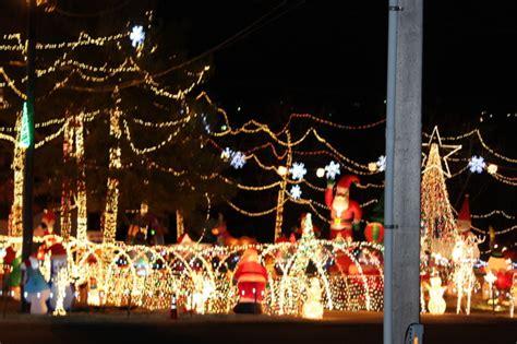 Community Stewart Family Light Display