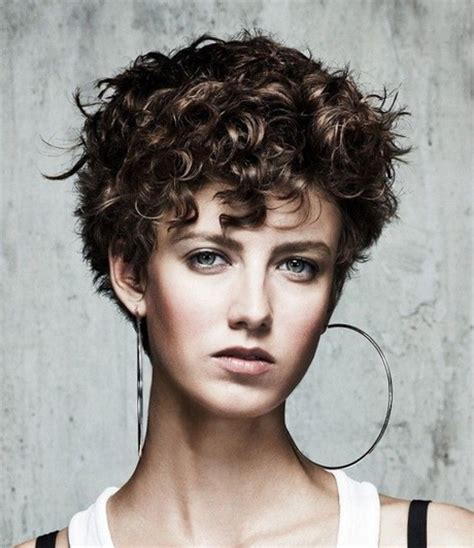 images of short hair styles for wavy hair and narrow faces short haircuts for wavy thick hair