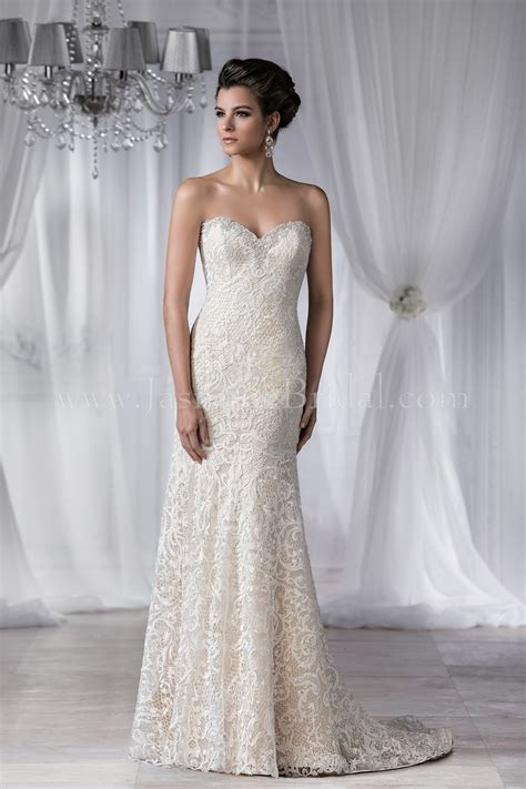 T182052 Sweetheart Strapless Lace Wedding Dress