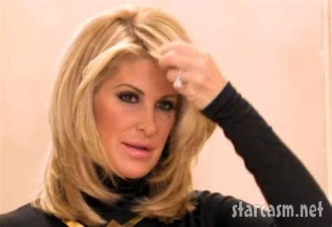 the real hair bosses of atlanta like the river salon video kim zolciak finally removes her wig on don t be