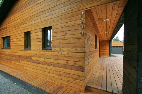Wavy Backsplash by Wide Plank Blue Pine Flooring For A Decidedly Modern Interior