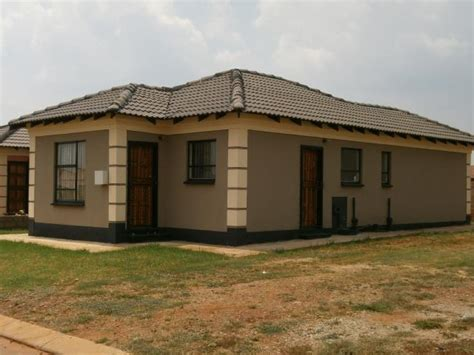 three bedroom houses for sale 3 bedroom house for sale in kabokweni for zar 607 167 re max