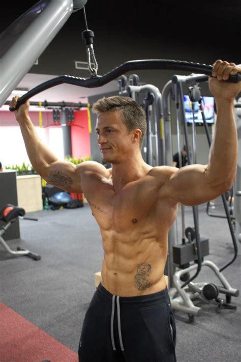 alimentazione per aumentare la massa muscolare uomo dieta settimanale per massa muscolare uomo esempio dieta