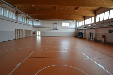 pavimento in linoleum pavimenti sportivi in linoleum leef