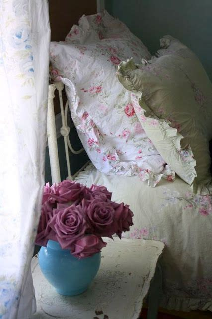 Flowing Shabby Chic 516 best images about shabby chic bedroom on country bedrooms cottages and shabby