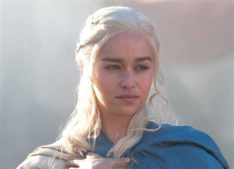 game of thrones season 6 emilia clarke on emilia clarke teases game of thrones season 6 it