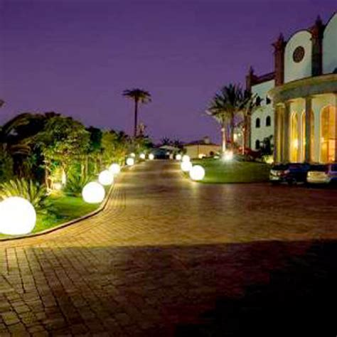 Lighting In Landscape Landscape Lighting Landscape Lighting Gives A Cool Effect