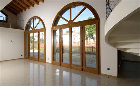 porte finestre in legno prezzi prezzi serramenti in legno lamellare