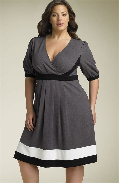 clothing for pear shaped women over 50 fashions for pear shaped 50 clothing for pear shaped