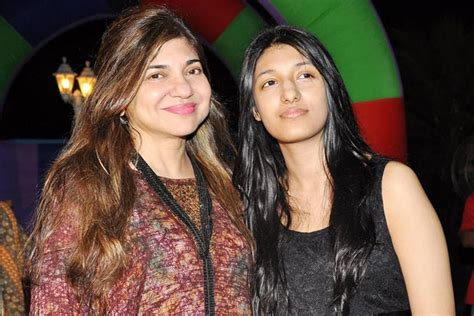 Alka Yagnik Wedding Song List by Alka Yagnik Family Members Background Photos Upcoming
