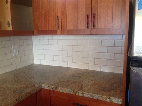 grid pattern backsplash daltile porcelain tile size 3 quot x6 quot pattern subway grid