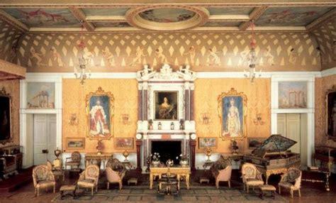queen mary dolls house la maison de poup 233 es de la reine mary noblesse royaut 233 s