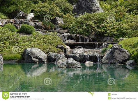 Wasserfall Im Garten 46 by Garten Wasserfall Stockbilder Bild 3973504