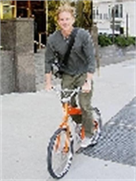 matthew modine bicycle celebrities on bicycle