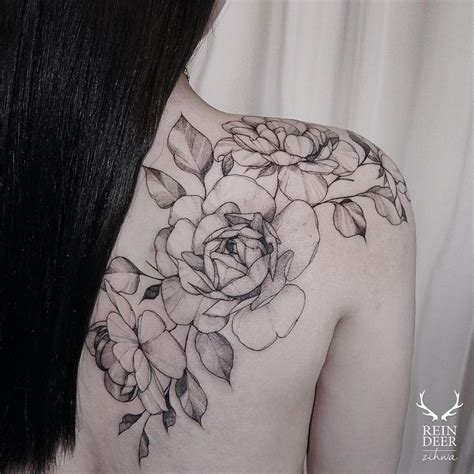 rose vine tattoos on shoulder best 25 vine tattoos ideas on vines