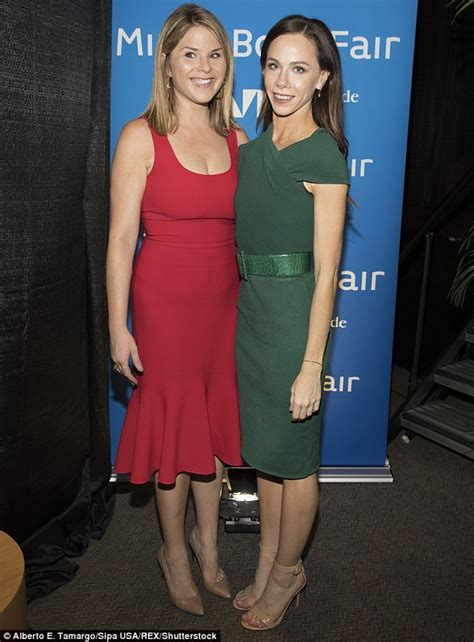 what makeup does jenna bush wear jenna and barbara bush wear corresponding colors twice