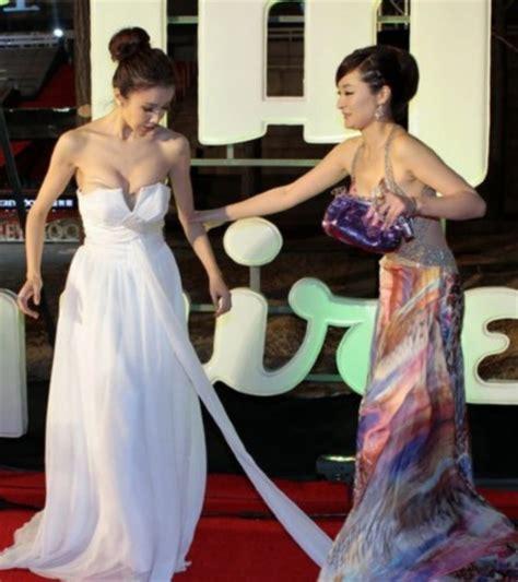 Obat Cina Pemerah Bibir foto kemben melorot aktris cina sun feifei foto insiden