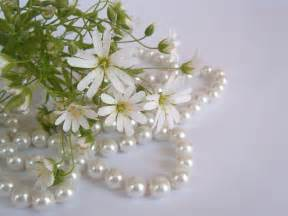 wallpaper with flowers wallpapers pearls with flowers wallpapers