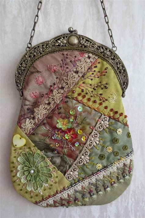 Quilt Purses by 25 Best Ideas About Quilting On