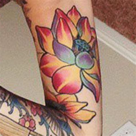 lotus tattoo upper arm allison green lotus flower upper arm tattoo steal her style