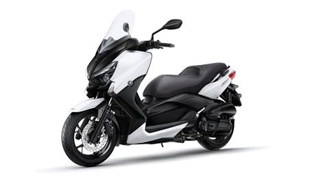 yamaha xmax  abs eu absolute white studio