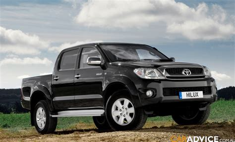 toyota worldwide 2009 toyota hilux global debut photos 1 of 20