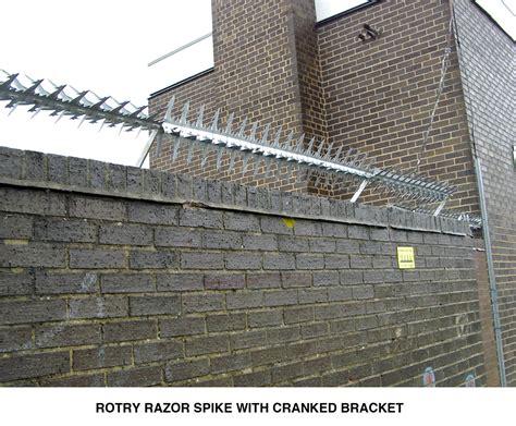 garden wall security rotry razor spikes are rotating anti climb wall spikes