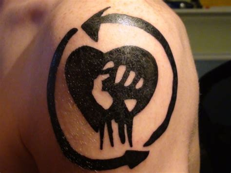 rise against tattoos 30 awesome shoulder tattoos for creativefan