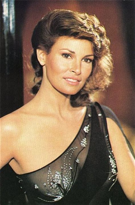 raquel welch images the evolution of raquel welch what a woman