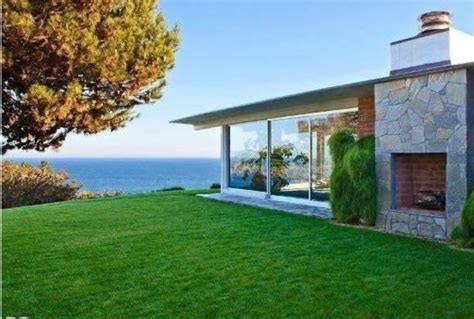 brad pitt house brad pitt homes in los angeles new orleans malibu italy