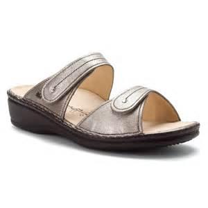 finn comfort women s sandals in smog corten