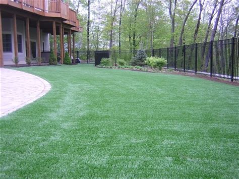 installing turf in backyard easyturf home installation www easyturf com l outdoor