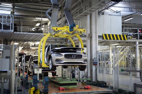 volvo assembly line volvo v90 rolls the assembly line