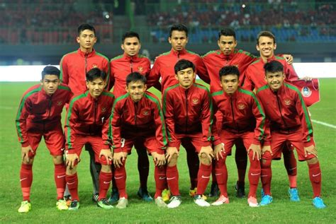 Timnas Indonesia timnas u 19 kunjungi sekolah di jember republika