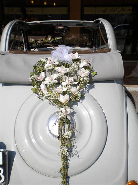 fiori bianchi per matrimonio fiori bianchi matrimonio top bouquet sposa con ramoscelli