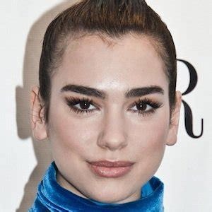 dua lipa biography dua lipa bio facts family famous birthdays