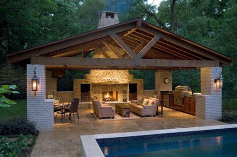 pool house    splash    fall