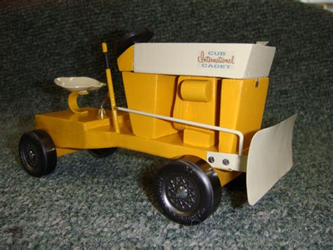 pinewood derby tractor woodworking blog