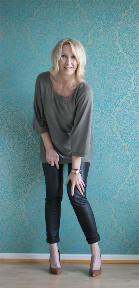 fashion for 40 something women a fashion blog for women over 40 and mature women http